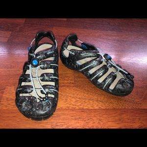 Mion by keen sandals river shoes size 6